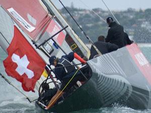 Alinghi durante una regata